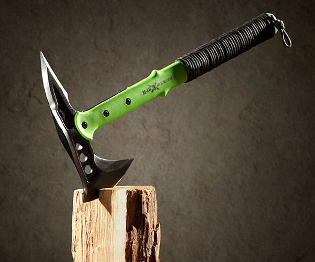 United Cutlery Apocalypse Tactical Tomahawk
