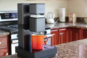 BRUVELO: WiFi Connected Coffee Brewer