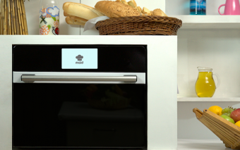 MAID Oven: Smart Kitchen Assistant