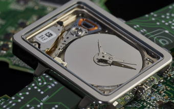 HDDWatch: Micro Hard Drive Turned Into a Watch