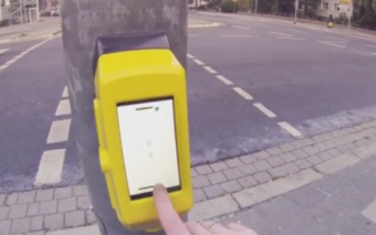 StreetPong 2.0: Traffic Light with Pong Game
