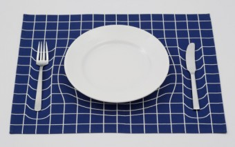 Trick Mat: Optical Illusion Placemat